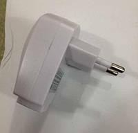 Сетевое зарядное устройство USB (универсальное) 5V 1000Mah (белая)