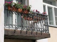 Отделка ограждения балкона
