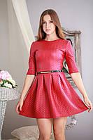 Модное  короткое кожаное молодежное платье со складами.