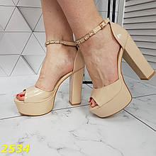 Босоножки пудра беж на толстом широком каблуке классика с украшением на ремешке 37, 38 р. (2534)
