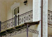 Балкон из кованных элементов