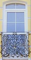 Ограждение балкона в коттедже
