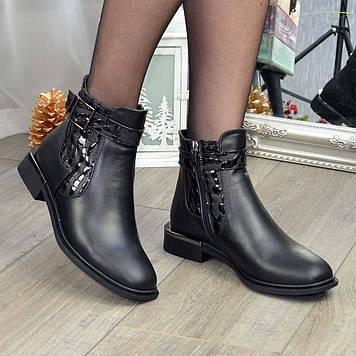 Ботинки женские комбинированные на маленьком каблуке. Цвет черный. 37 размер