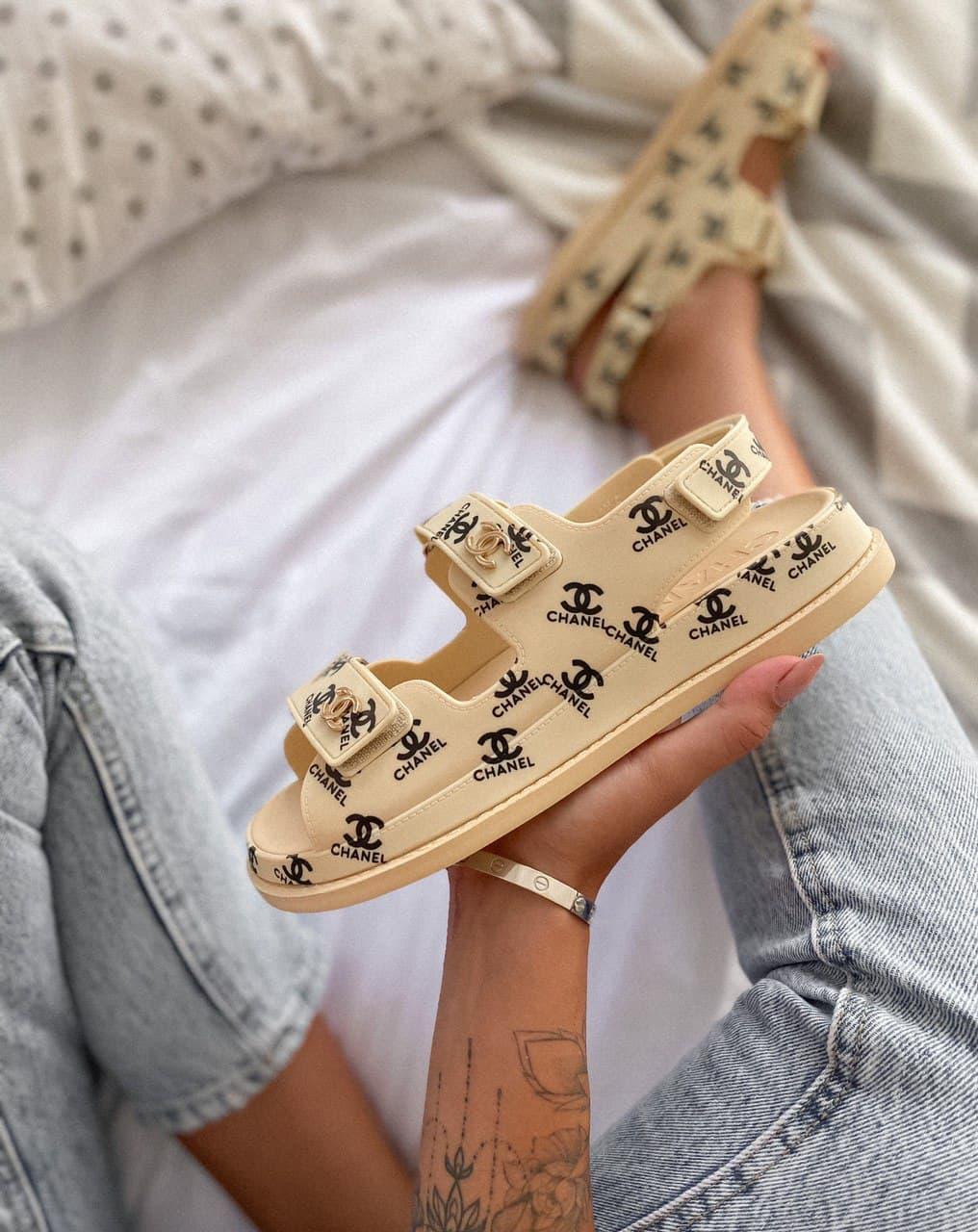 Женские сандалиии Chanel Dad sandals Beige Logo
