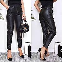 Женские стильные брюки из эко-кожи с карманами, фото 1