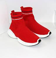 Женские высокие текстильные кроссовки красного цвета без шнурков