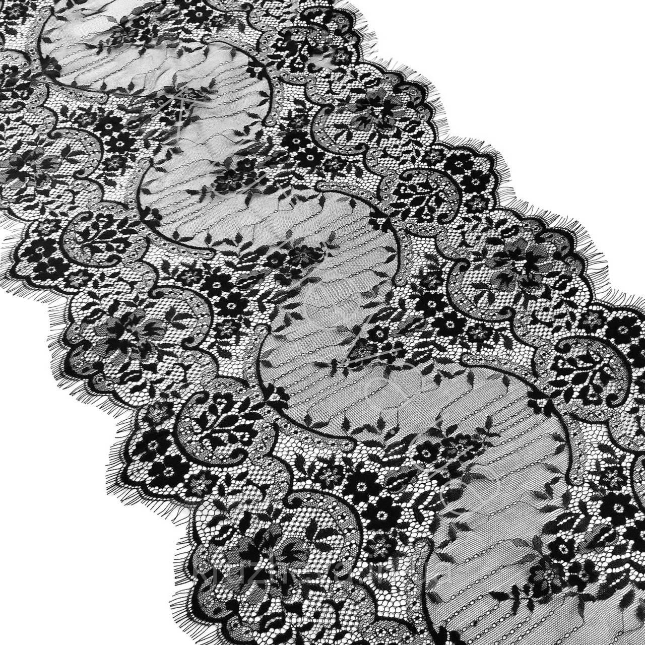 Ажурне французьке мереживо шантильї (з віями) чорного кольору шириною 44 см, довжина купона 3,0 м.