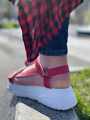 Яркие женские босоножки кожаные красного цвета с белой рифленой подошвой, размеры от 36 до  41, фото 2