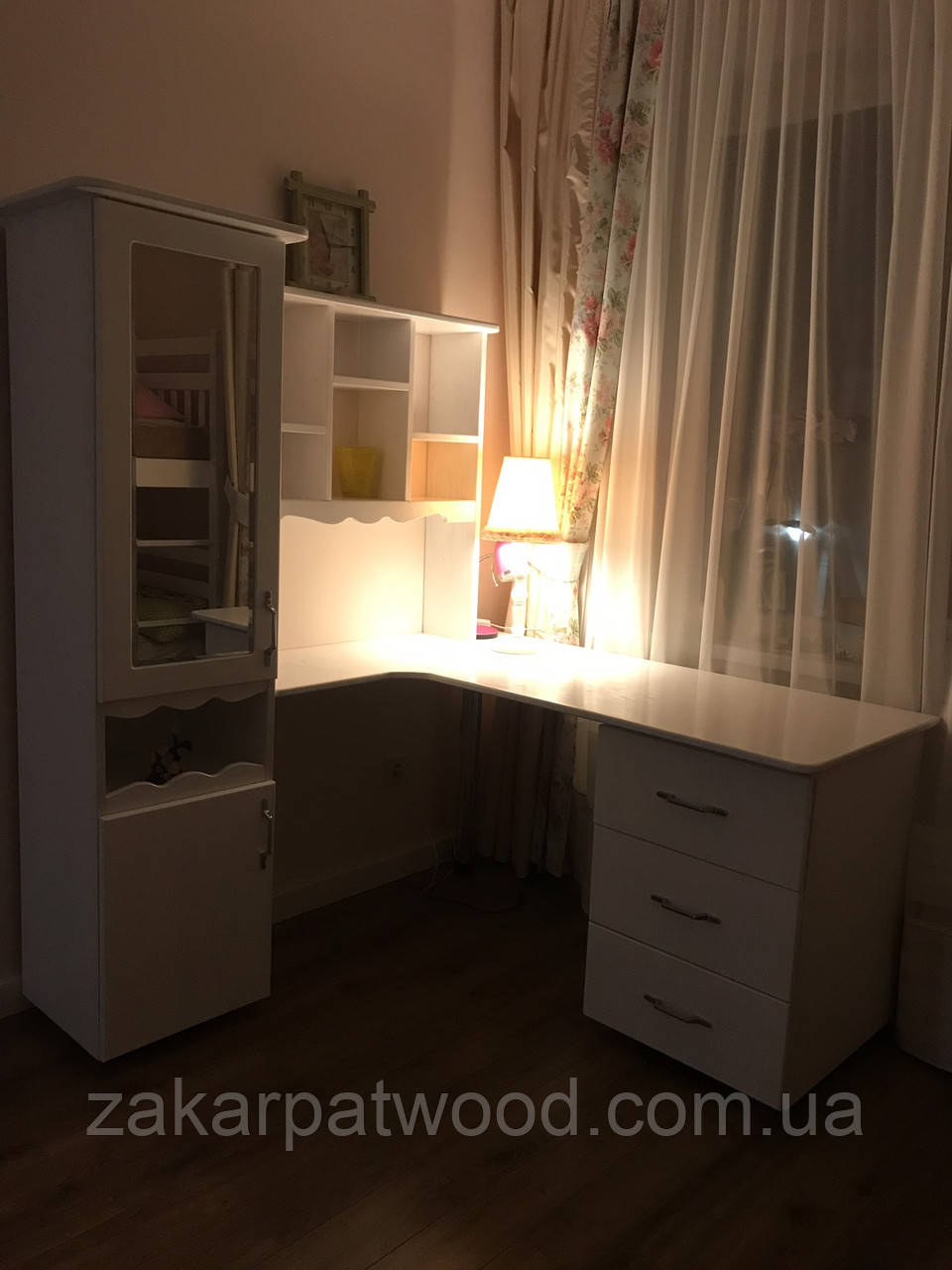 Мебель у кімнату масив дуба із елементами різьби