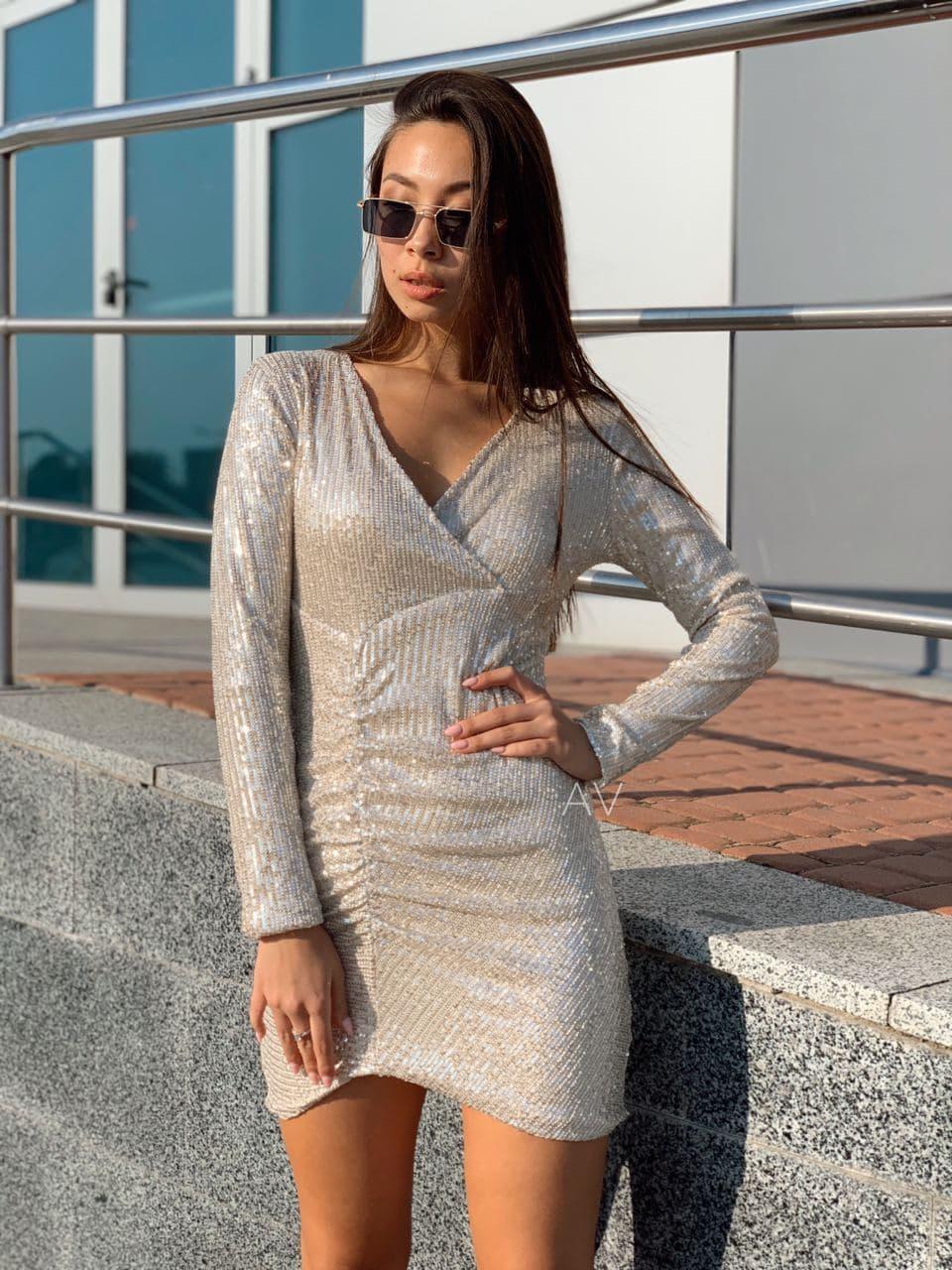Женское потрясающее платье с пайетками Айвори