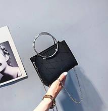 Женская классическая сумочка с круглыми ручками на цепочке черная