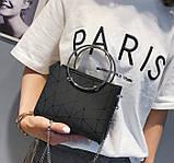 Женская классическая сумочка с круглыми ручками на цепочке черная, фото 3