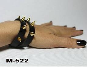Браслет женский длинный из натуральной кожи с золотыми шипами по всей длине