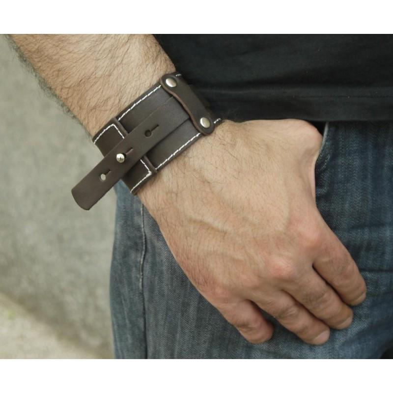 Чоловічий широкий браслет з натуральної шкіри у вигляді ременя закривається на кобурною гвинт