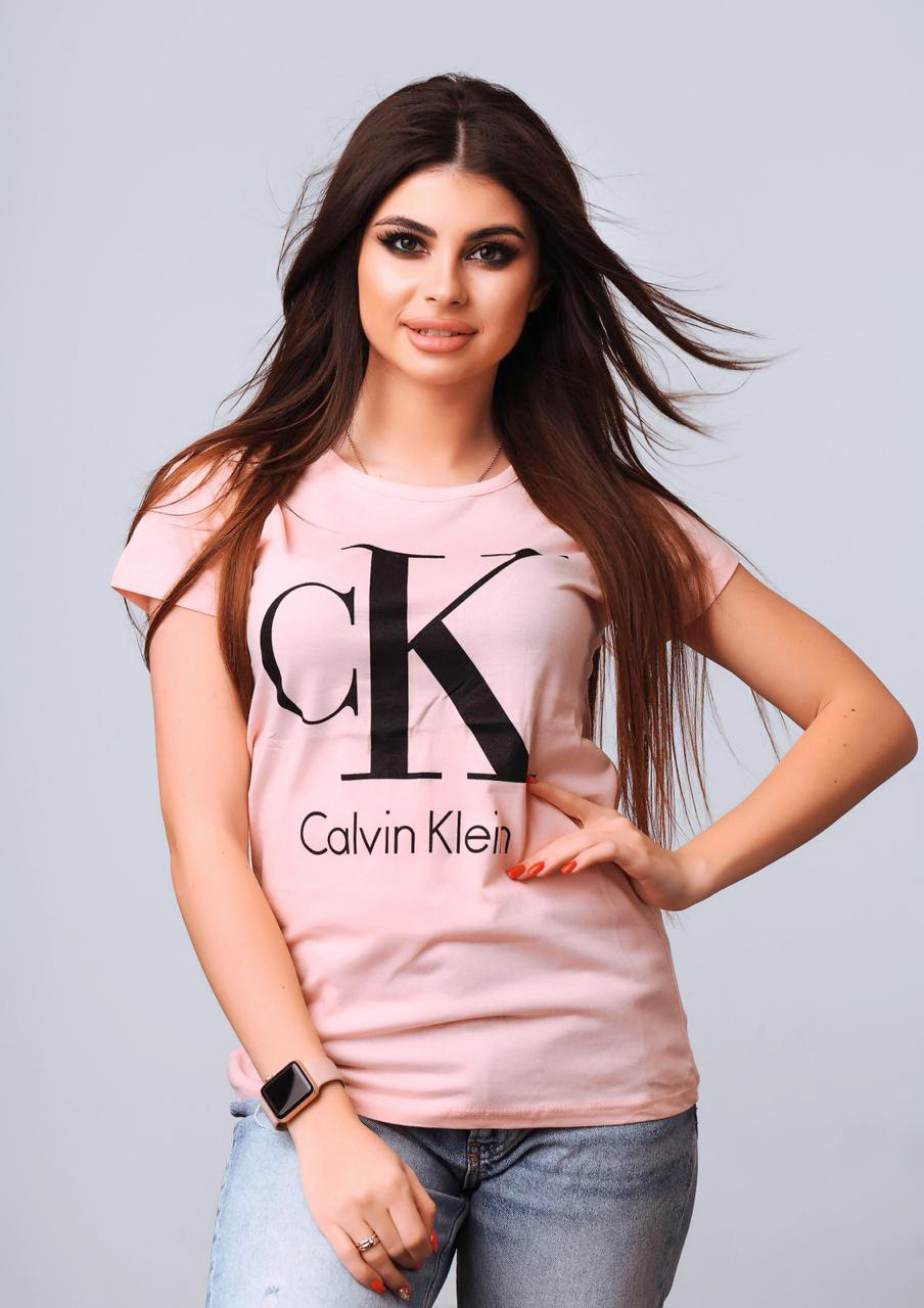 Жіноча футболка з модним брендом 42-46 (в кольорах)