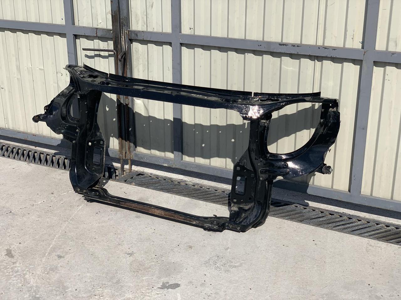 Установочная панель Mercedes GL X164 телевизор Мерседес гл 164 шрот