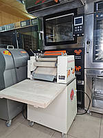Закаточная машина Universum 40см для пекарни и кондитерки из Германии