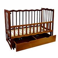 Детская кроватка маятник деревянная для новорожденных с откидным бортиком и шухлядой Темно-коричневая (25580)