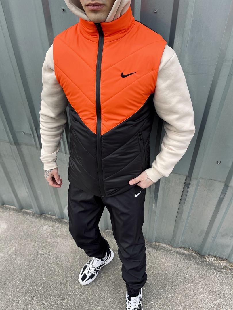 Дута жилетка без капюшона, стильний жилет, чоловіча безрукавка оранжево-чорна Clip Nike