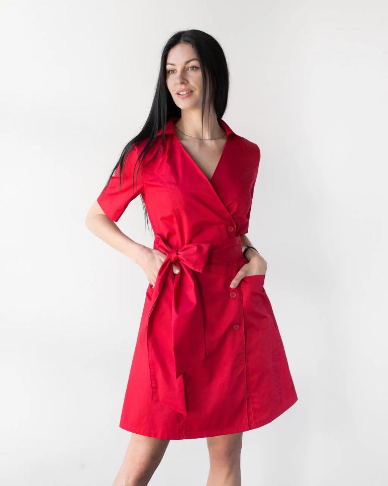 Медицинский женский коттоновый халат на пуговицах Токио красный 40-48