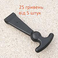 Ручка запору КамАЗ заглушку мотоотсека 4310-8047013
