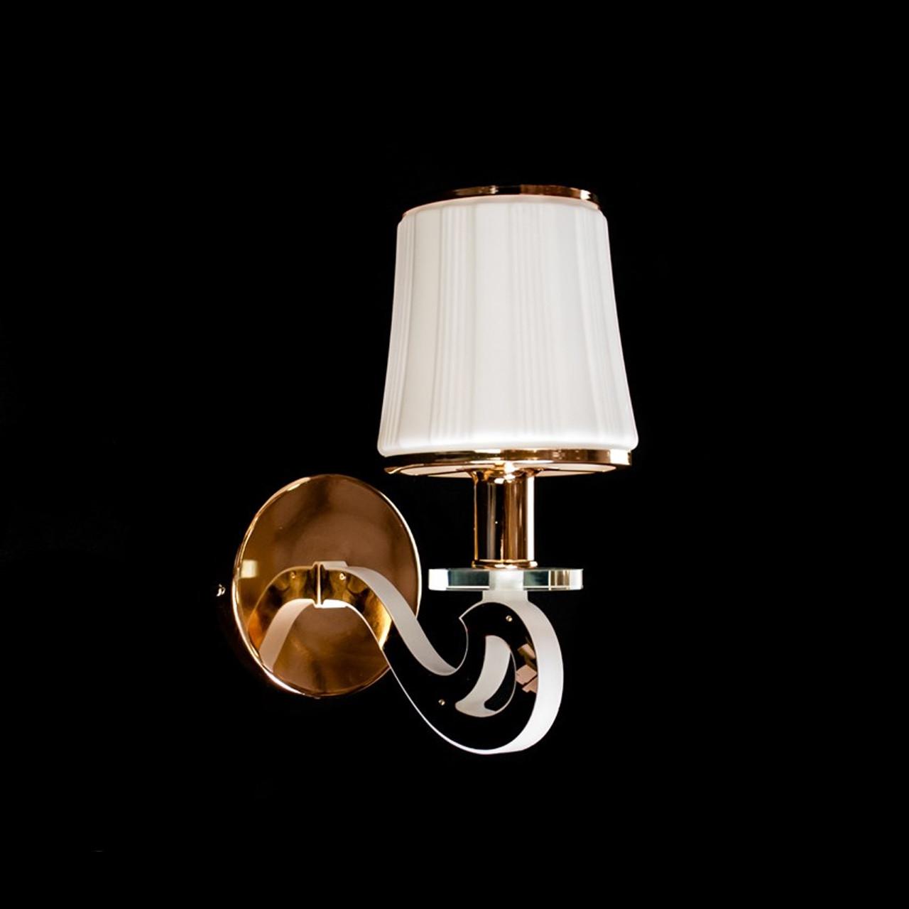 Бра в стиле современной классики на 1 лампочку с LED подсветкой рожков СветМира D-9442/1G