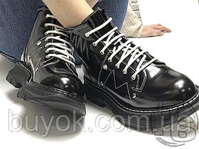 Женские ботинки Alexander McQueen Tread Lace Up Ankle Boot Black 595469WHQSG1090 (с мехом)