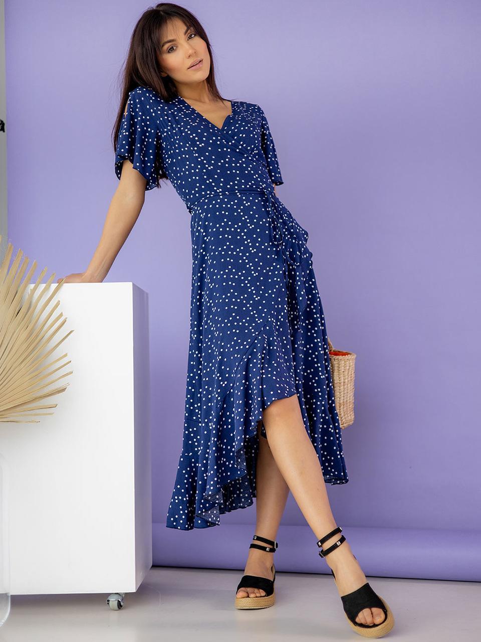 Штапельное платье на запах с рюшами
