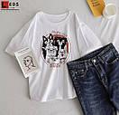 Біла жіноча футболка з мопсами, фото 4