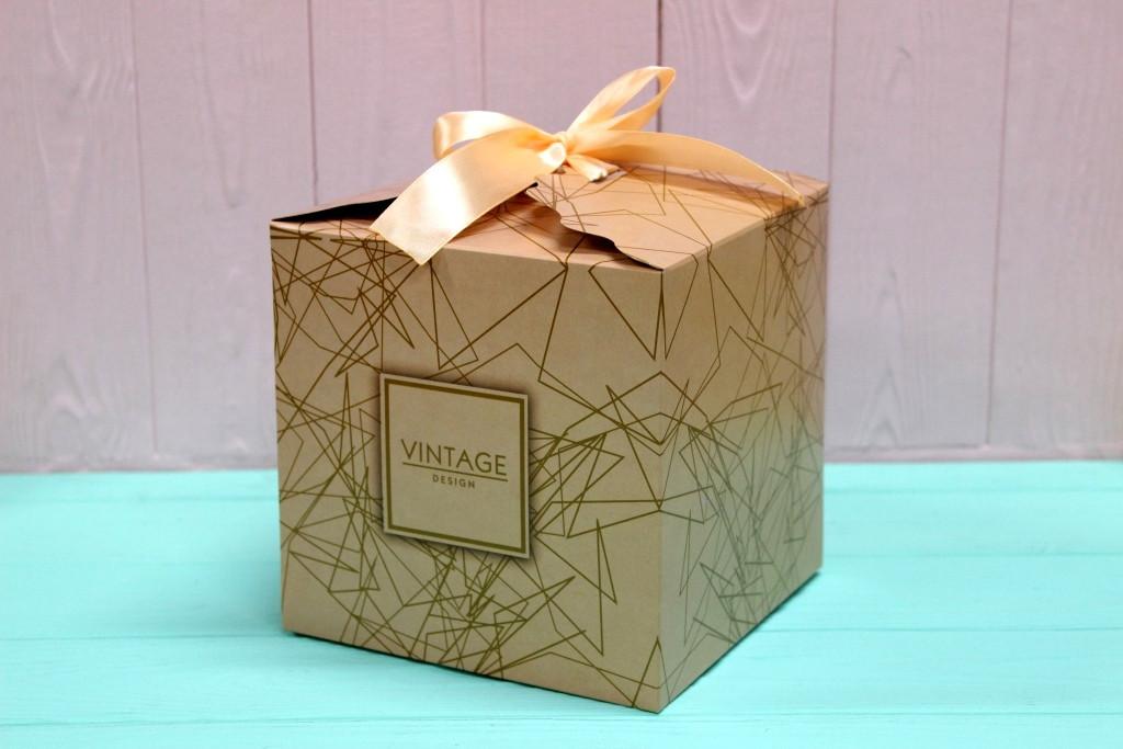 Подарочная коробка Упаковкин 16*16*16см №КР 16-5