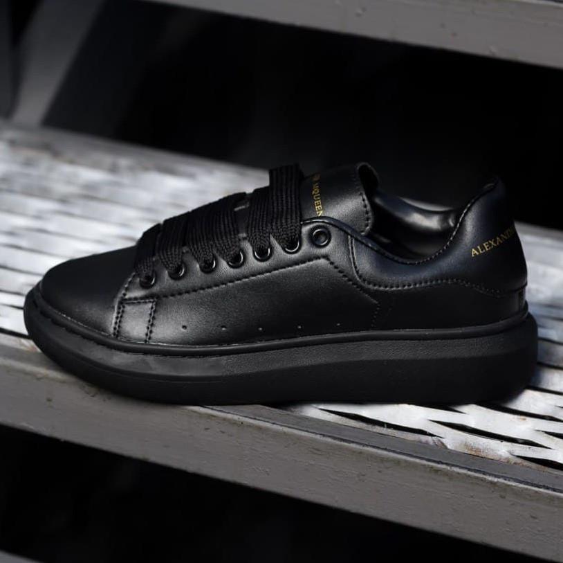 Женские кроссовки Alexander McQueen Triple Black