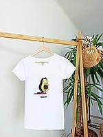 Футболка жіноча біла з модним принтом. Жіноча футболка білого кольору з принтом авокадо.