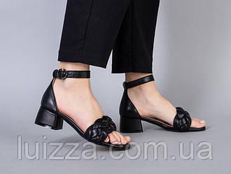Босоножки женские кожаные черные на невысоком каблуке