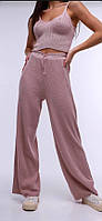 Летний брючный вязаный костюм из хлопковый пряжи пудра/пудрового цвета арт. TT0001