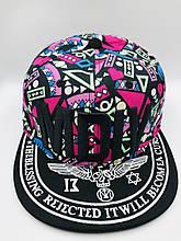 Яркая женская кепка черно-розовая по очень выгодной цене