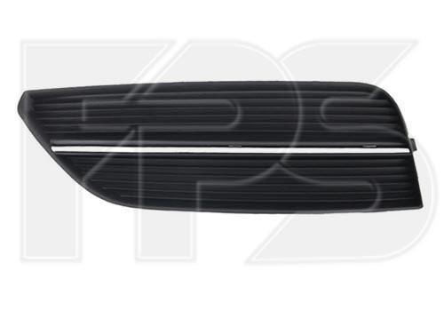 Решітка в бампері права хетчбек Audi A3 12-16 (Тайвань)