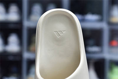 Женские шлёпки Adidas Yeezy Slide Bone FW6345 Тапочки Изи Слайд Боне Размер 43