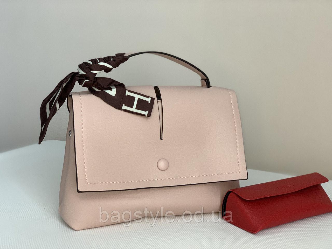 Пудрова невелика жіноча сумка рожева