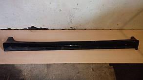 Накладка на правый порог MB814430 998842 Galant 93-96 r.  5k Mitsubishi