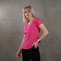 Женская футболка с V-образным вырезом