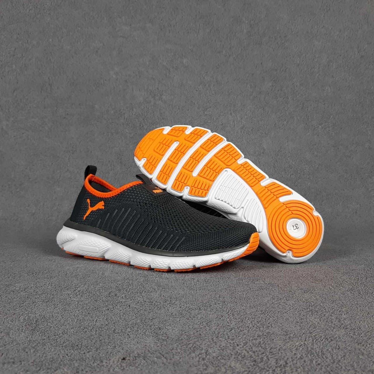 Женские кроссовки Puma (темно-серые с оранжевым) О20375 модная молодежная обувь без шнурков для девушек