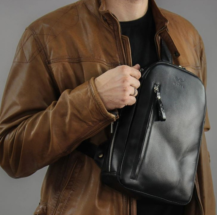 Сумка-рюкзак через плече, слінг бананка текстильна USB чорна 1001