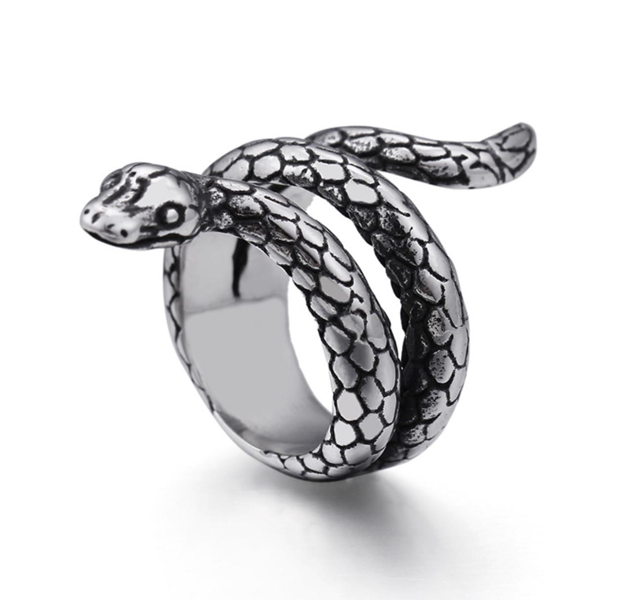 Кольцо Женское Мужское City-A Кольцо Змея спираль Размер 20 из Титановой Стали цвет Серебряное №3159