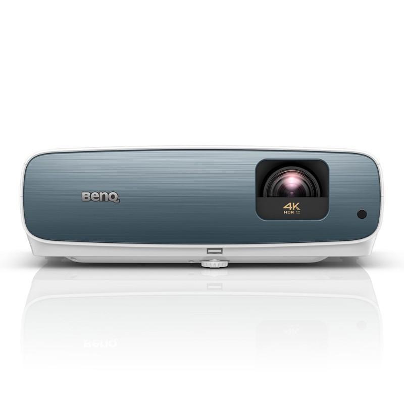 Удобный проектор BenQ TK850