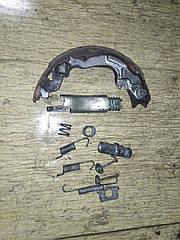 Механизм ручника комплект левая сторона MB950184,MB520459 998833 Galant 93-96 r.  5k Mitsubishi