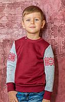 Свитшот для мальчика с вышивкой красного цвета