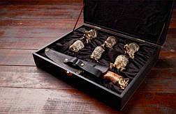 """Стопки-перевёртыши """"Охотник"""" с ножом в кейсе из эко-кожи, 6шт. Подарок, который точно понравится мужчине, фото 2"""