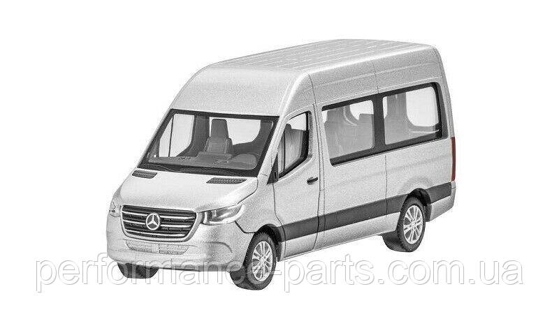Модель 1/87 Mercedes-Benz Sprinter 2018 W907 автобус сріблястий B66004164