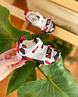 Босоножки детские белые кожаные с красными вставками на липучке и закрытым носочкем