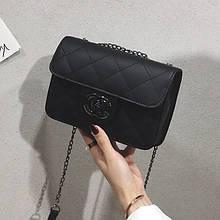 Женская классическая сумочка кросс-боди на цепочке черная